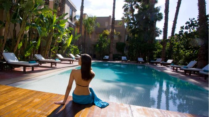 Une Piscine Chauffee Et Un Jardin Luxuriant Au Cœur De Marrakech